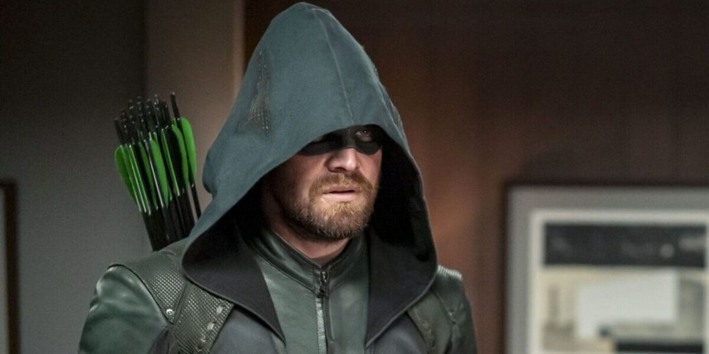 stephen amell has one thought about green arrow joining